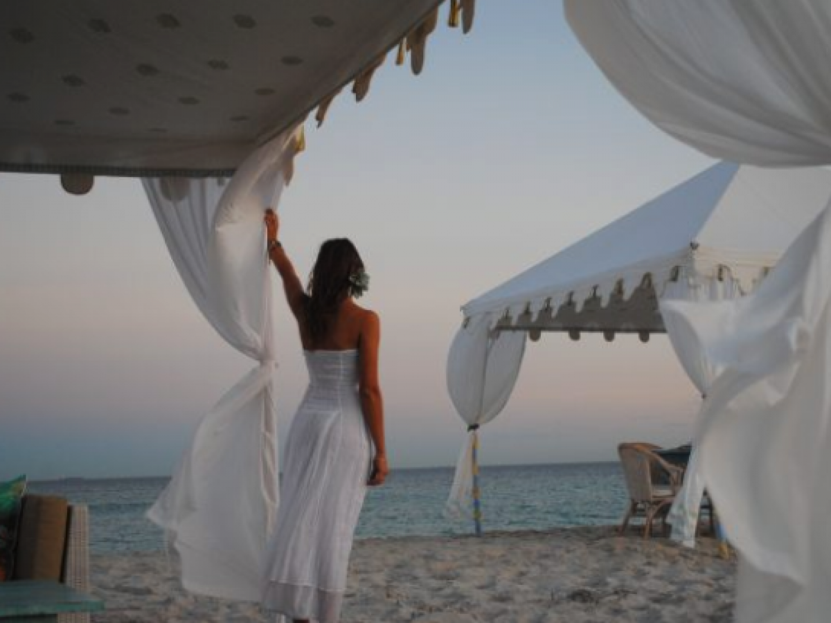 Beachside Raj Canopy