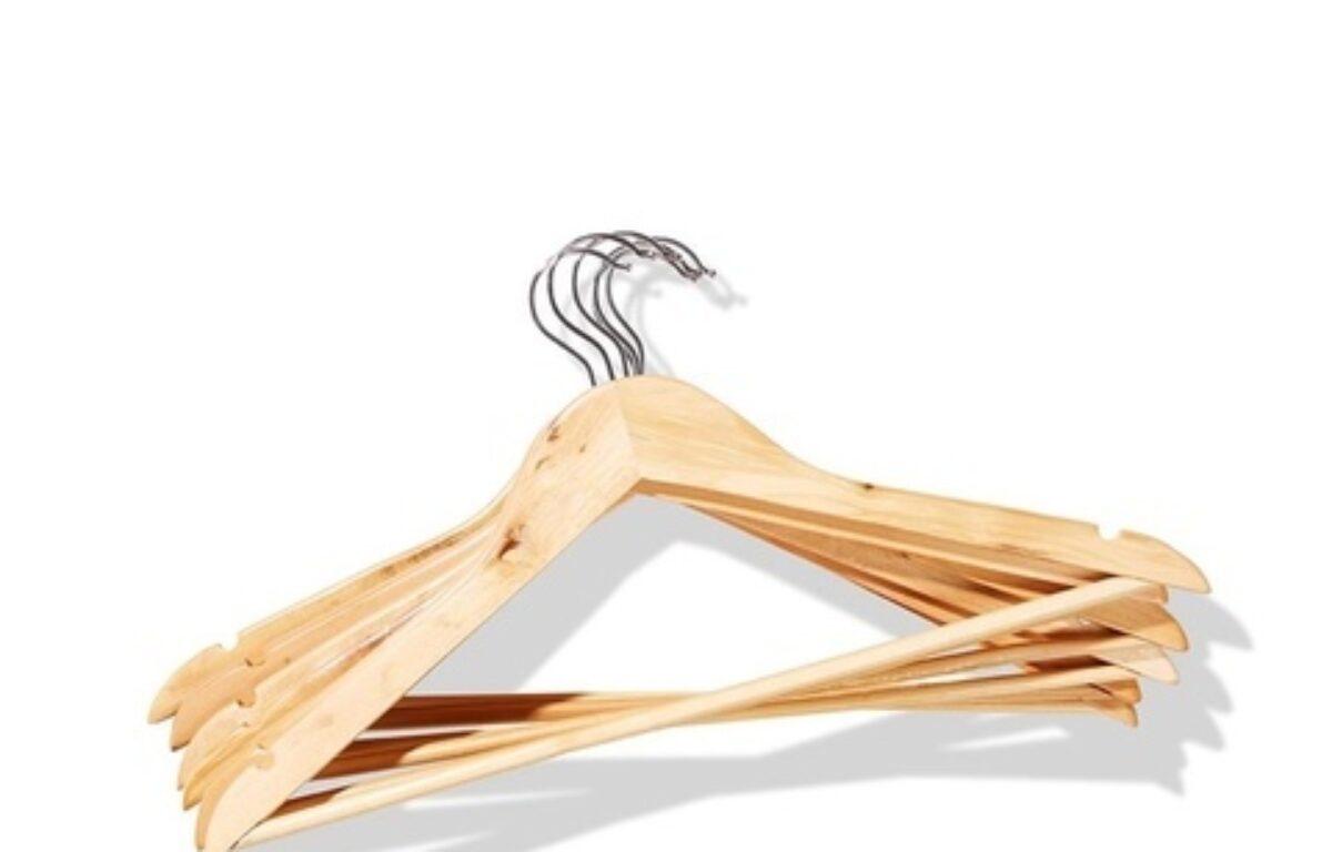 Wooden_Coat_Hanger